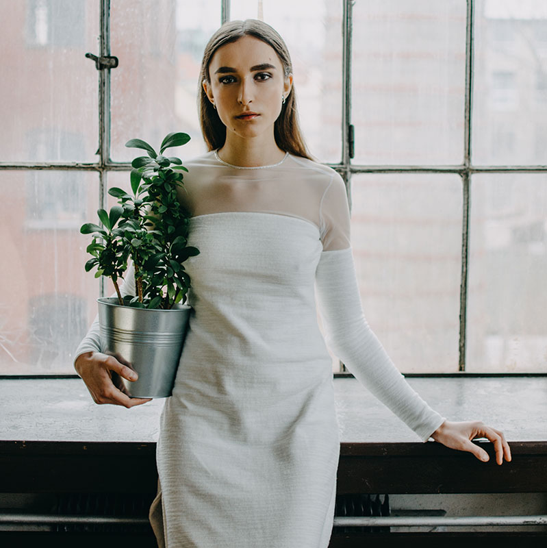 Svatební šaty úzké z dílky TO.GET.HER